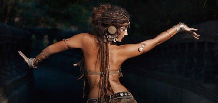 Месячный абонемент на 8 или 12 занятий йогой или танцами трайбл-фьюжн в студии трайбл пространства «Хабиби Лал»