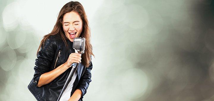 До 12 индивидуальных занятий вокалом в школе «Ikar»